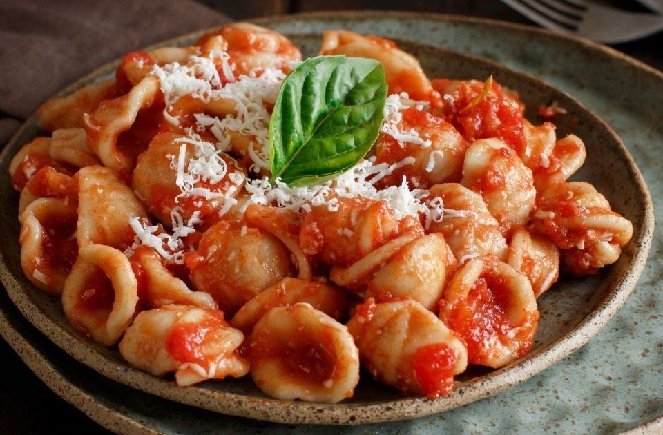 Orecchiette pomodoro e Cacioricotta